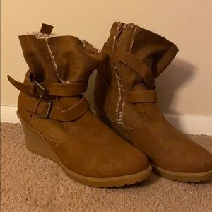 EUC Lane Bryant wedge winter boots